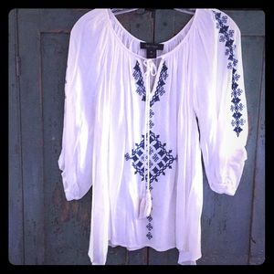 Karen Kane white embroidered boho top XS